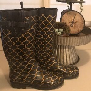 Shoes - Quatrefoil rain boots